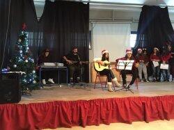 Στη Χριστουγεννιάτικη εορτή του Λυκείου Νάξου ο Μητροπολίτης Παροναξίας