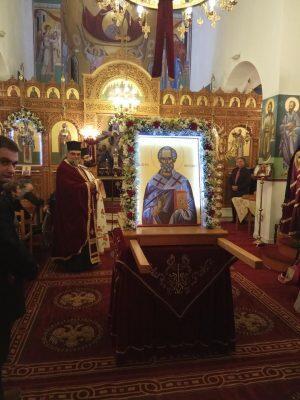 Με λαμπρότητα τίμησαν τον Άγιο Νικόλαο στη Θήβα