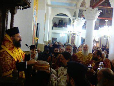 Τρίκαλα: Πλήθος πιστών στον Εσπερινό της Πρωτοχρονιάς στον Ι. Ναό Αγίου Κωνσταντίνου και Ελένης