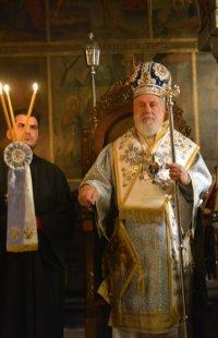 Θεοφάνεια-Παραμονή: Την Ακολουθία του Αγιασμού τέλεσε ο Σύρου Δωρόθεος