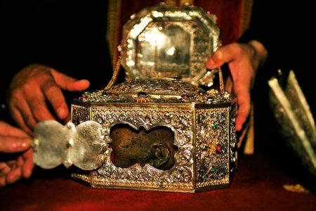 Στην Κύπρο η Τίμια Κάρα του Αγίου Ιωάννου του Χρυσοστόμου από το Άγιο Όρος