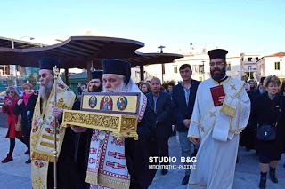 Ουρές πιστών στο Άργος για να προσκυνήσουν το Ιερό Λείψανο του Οσίου Νικηφόρου του Λεπρού