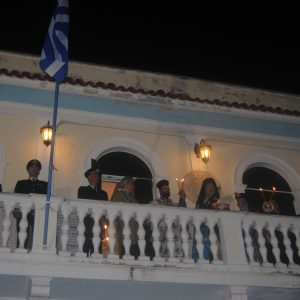 Ζάκυνθος: Η νυχτερινή λιτανεία και τα «Φώτα» στο Μητροπολίτη-μοναδικές εικόνες