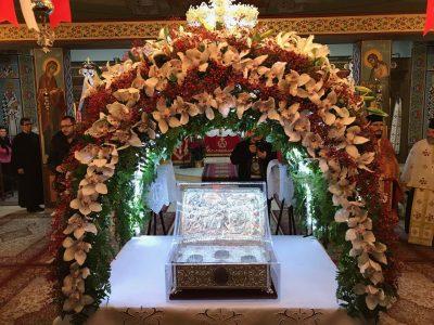 Λάρισα: Με δάκρυα αποχαιρέτισαν οι πιστοί τα Τίμια Δώρα από το Άγιο Όρος