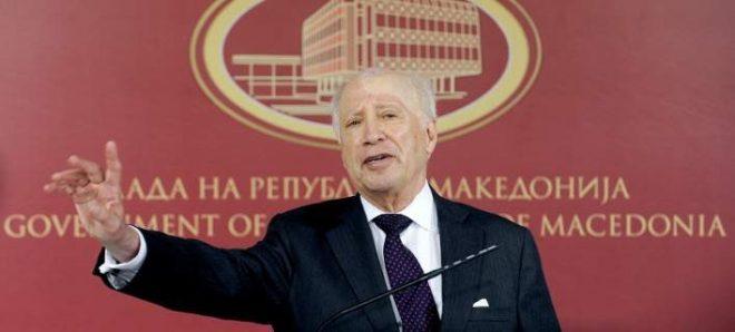 Πρόκληση Νίμιτς: «Θα υπάρχει ο όρος Μακεδονία στην ονομασία»