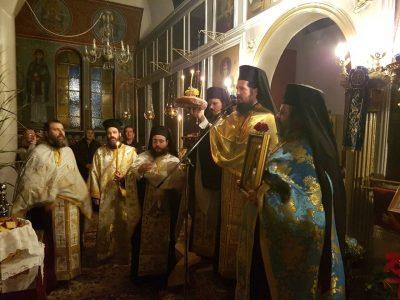 Ιερά Αγρυπνία στην Αμυγδαλέα παρά το δυνατό ψύχος