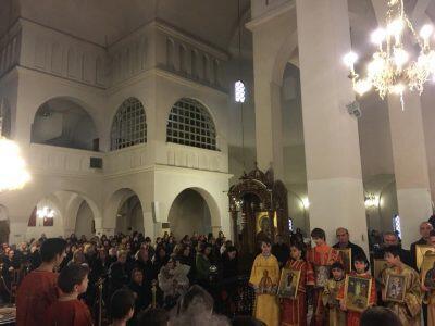 Θεσσαλονίκη-Κυριακή Ορθοδοξίας: Πλήθος κόσμου στον Ναό των αγίων Ραφαήλ, Νικολάου και Ειρήνης