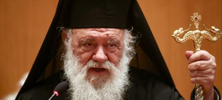 Πραξικοπηματικές επεμβάσεις καταγγέλει ο Αρχιεπίσκοπος-Πονοκέφαλος σε κυβέρνηση