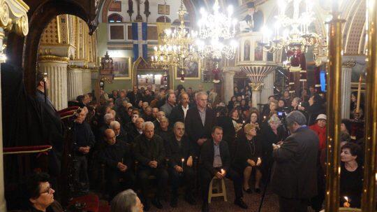Συγκλόνισε ο Λέρου Παΐσιος-Γονατιστός και συγκινημένος στον Εσπερινό της Συγχωρήσεως