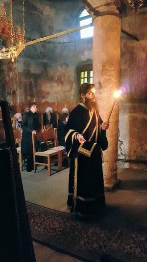 Πρώτη Αρχιερατική Προηγιασμένη Θ. Λειτουργία στην Μονή Βομβοκούς