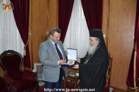 Ο Ιεροσολύμων Θεόφιλος υποδέχθηκε τον Αρχηγό της Εθνικής Φρουράς της Κύπρου