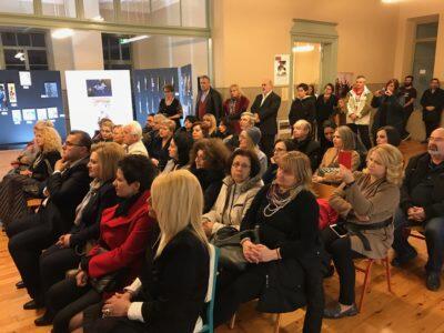 Φιλανθρωπική εικαστική έκθεση εγκαινίασε ο Μητροπολίτης Κίτρους Γεώργιος