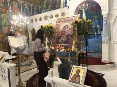 Ακάθιστος Ύμνος-Αγία Ματρώνα: Το κοριτσάκι που συγκίνησε τους πιστούς