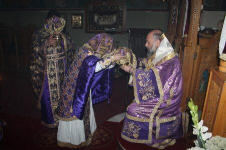 Φάρσαλα: Ακολουθία των Προηγιασμένων Τιμίων Δώρων στον Ναό Αγίου Σπυρίδωνος Λόφου