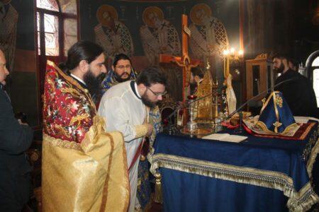 Χειροτονία Πρεσβυτέρου Ιεζεκιήλ Κωνσταντά στη Μητρόπολη Θεσσαλιώτιδος