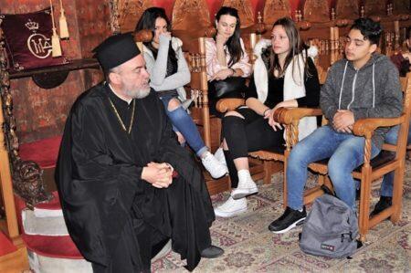 Μύκονος: Μαθητές προσκύνησαν την εικόνα της Παναγίας Τουρλιανής