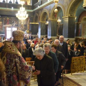 Μάνδρα: Η Κυριακή της Σταυροπροσκυνήσεως στον Μητροπολιτικό Ναό Αγίων Κωνσταντίνου και Ελένης