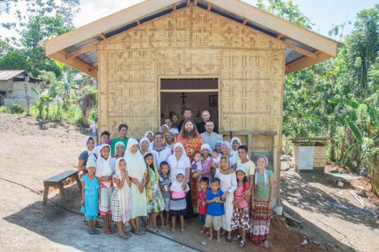 Το Άγιο Πάσχα στο νησί των Φιλιππίνων Μιντανάο