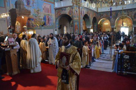 Κύπρος: Πρώτη Ανάσταση στον κατάμεστο Ναό του Αγίου Δημητρίου στο Παραλίμνι
