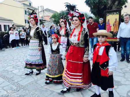 Κέρκυρα: Πλήθος πιστών στην λιτανεία των ιερών λειψάνων των Αγίων Ιάσωνος και Σωσιπάτρου