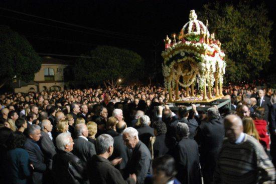 Μεγάλη Παρασκευή: Η Αποκαθήλωση και η Ακολουθία του Επιταφίου- Ήθη και έθιμα ανά την Ελλάδα