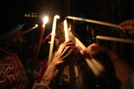 Ανάσταση και Εσπερινός της Αγάπης στο Προσκύνημα της Παναγίας Εκατονταπυλιανής