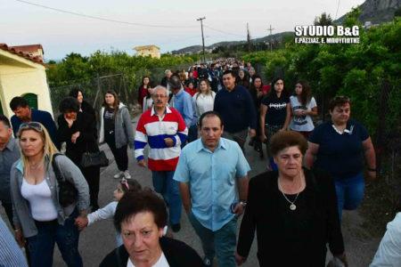 Ναύπλιο: Αναβίωσε το έθιμο της λιτανείας του Αγίου Γεωργίου με άλογα