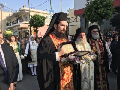 Λάρισα: Πλήθος πιστών στην υποδοχή του Ιερού Λειψάνου του Αγίου Γεωργίου
