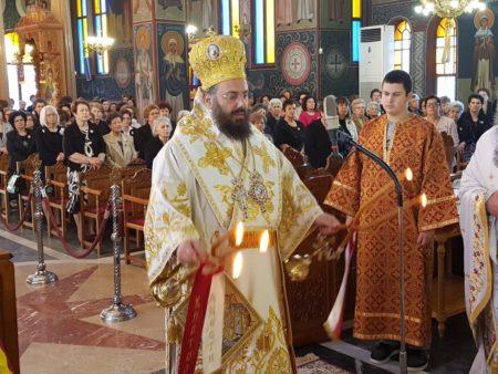 Τρίκκης Χρυσόστομος και πλήθη πιστών στον Άγιο Γεώργιο Νικαίας