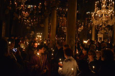 Τήνος: Η ακολουθία του Νυμφίου στον Πανίερο Ναό της Ευαγγελιστρίας