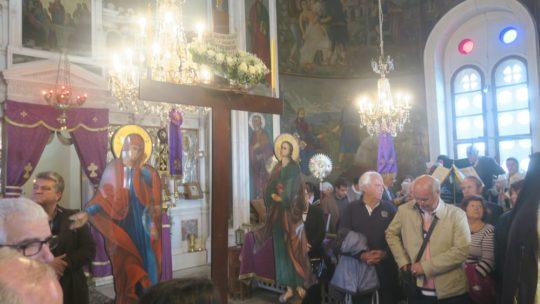 Σύρος: Η Περιφορά του Επιταφίου στην Μονή Αγ. Βαρβάρας και στο Ναό Γενεσίου της Θεοτόκου