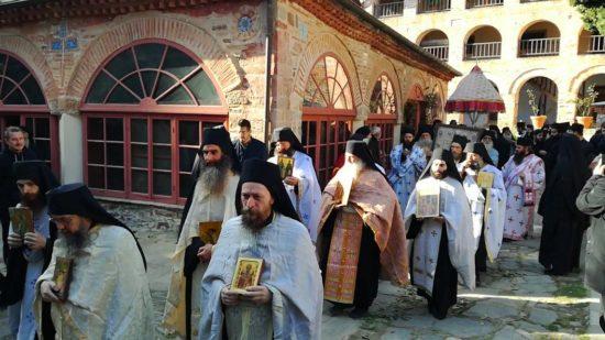 Άγιο Όρος: Λιτανεία της Παναγίας Φοβεράς Προστασίας στην Μονή Κουτλουμουσίου