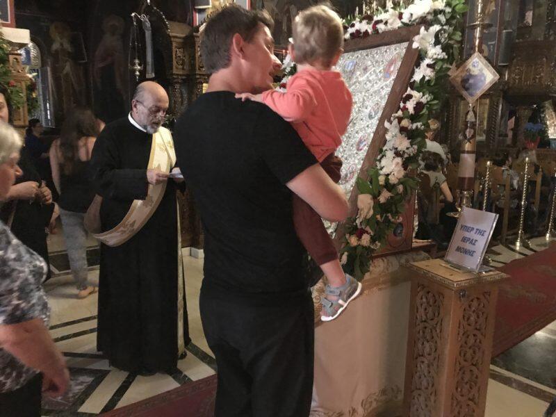 Κηφισιά - Τώρα: Αγιορείτικη Αγρυπνία ενώπιον της Παναγίας Φοβεράς Προστασίας - Συγκλονίζει η προσέλευση από πιστούς