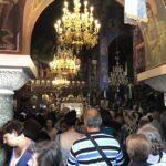 Τώρα - Λαοθάλασσα στην Κηφισιά για την Παναγία Φοβερά Προστασία - Ουρές από πιστούς για να προσκυνήσουν