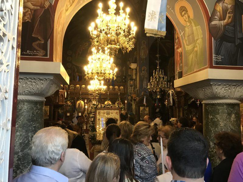 Κηφισιά - Τώρα: Χιλιάδες πιστοί σήμερα παρά την απεργία - Αγρυπνία και Αγιασμός Πρωτομηνιάς από τον π. Σαράντη Σαράντο
