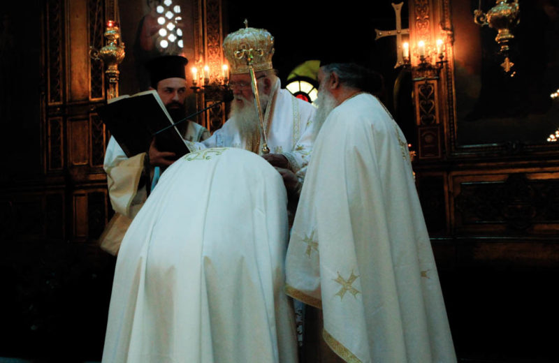 Χειροθεσία Πνευματικού από τον Αρχιεπίσκοπο Ιερώνυμο