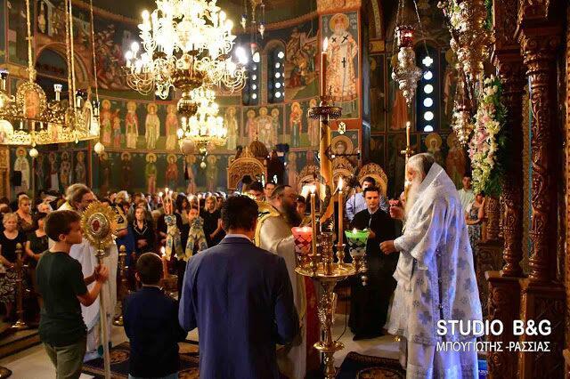 Ναύπλιο: Αρχιερατική Θεία Λειτουργία στον Ναό Κωνσταντίνου και Ελένης (ΒΙΝΤΕΟ – ΦΩΤΟ)