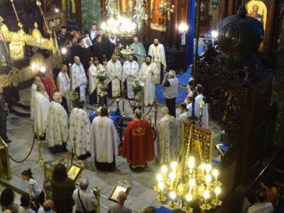 Μυτιλήνη: Αρχιερατικό Συλλείτουργο στον Άγιο Θεράποντα