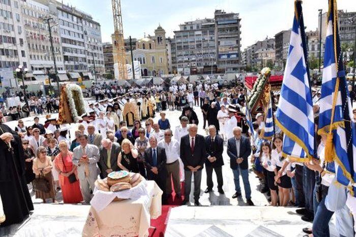 Πειραιάς: Λαμπρός ο εορτασμός των Αγίων Κωνσταντίνου και Ελένης