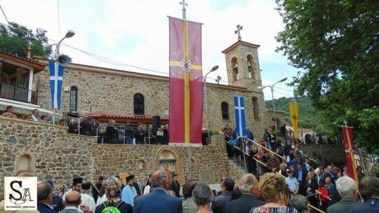 Αχαΐα: Εκατοντάδες πιστοί στη Μονή Αγίου Νικολάου για να εκπληρώσουν το τάμα τους