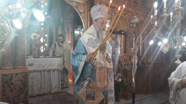 Αρχιερατική Θεία Λειτουργία στον πανηγυρίζοντα Ναό Αγίων Κωνσταντίνου και Ελένης Κάτω Διμηνιού