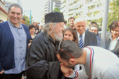 Πάνω από 7.000 άνθρωποι έχουν περάσει για την ευλογία του κλινήρους Γέροντος Γαβριήλ