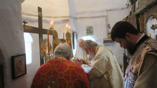 Σίκινος: Στον Ιερό Ναό Αγίου Βασιλείου ιερούργησε ο Σύρου Δωρόθεος