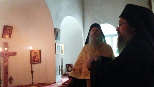 Άγιο Όρος: Ο Λευκάδος Θεόφιλος στο Ιερό Κελί του Προφήτου Δανιήλ και των Αγίων Τριών Παίδων της Ιεράς Μονής Ξενοφώντος