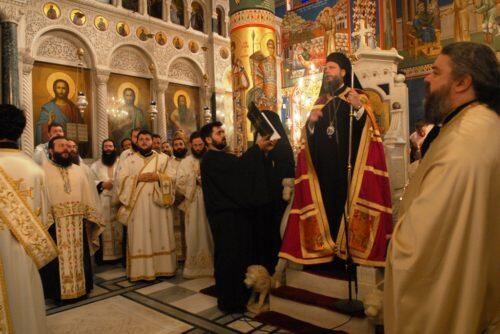 Κοσμοπλημμύρα στον Εσπερινό Πεντηκοστής και Οσίου Ιωάννη του Ρώσου στο Προσκύνημά Του