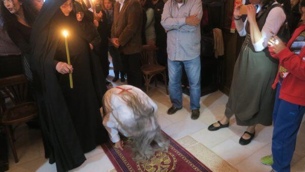 Σίκινος: Συγκίνηση στην Κουρά Μοναχής ύστερα από 200 χρόνια στη Μονή Χρυσοπηγής