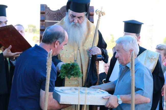 Κατάθεση θεμελίου λίθου παρεκκλησίου Αγίου Νικηφόρου στην Περιστερώνα, από τον Μόρφου Νεόφυτο