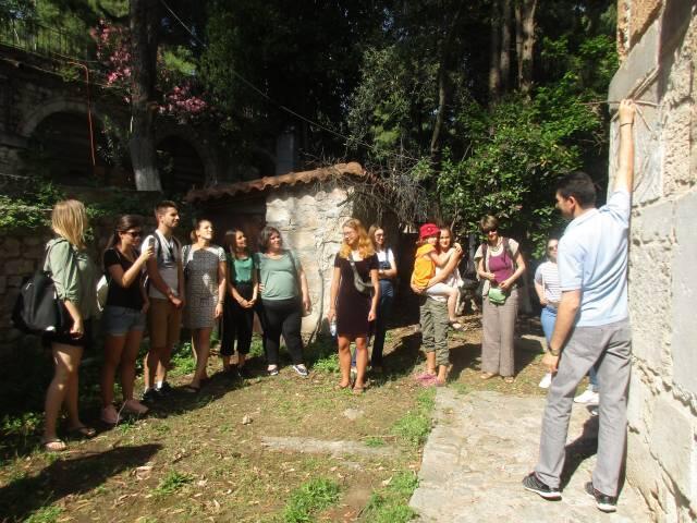 Ευρωπαίοι νεαροί εθελοντές επισκέφθηκαν τον Ορχομενό
