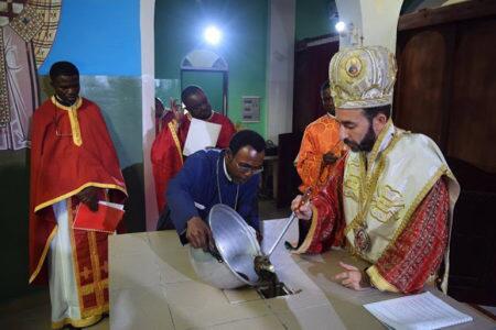 Ο Μπραζαβίλ Παντελεήμων εγκανίασε τον Ενοριακό Ναό Αγίας Φωτεινής