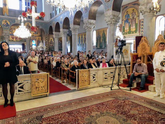 Βόλος: Με λαπροτητα τιμήθηκε η μνήμη των Αγίων Κωνσταντίνου και Ελένης (ΦΩΤΟ)